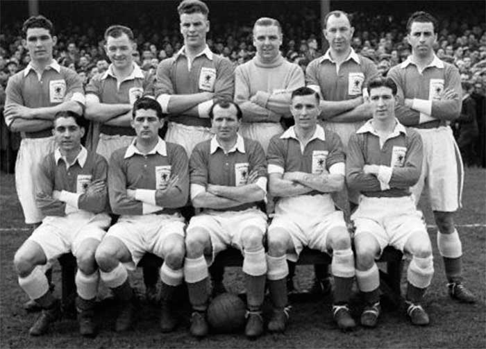 Wales national team. Back row: W.Rees (Tottenham), A.Sherwood (Cardiff), John Charles (Leeds), W.Shortt (Plymouth), Roy Burgess (Tottenham), R.Paul (Swansea). Front row: H.Williams (Leeds),Trevor Ford (Aston Villa),Wally Barnes (Arsenal),F.Scrine (Swansea),R.Clarke (Manchester City)