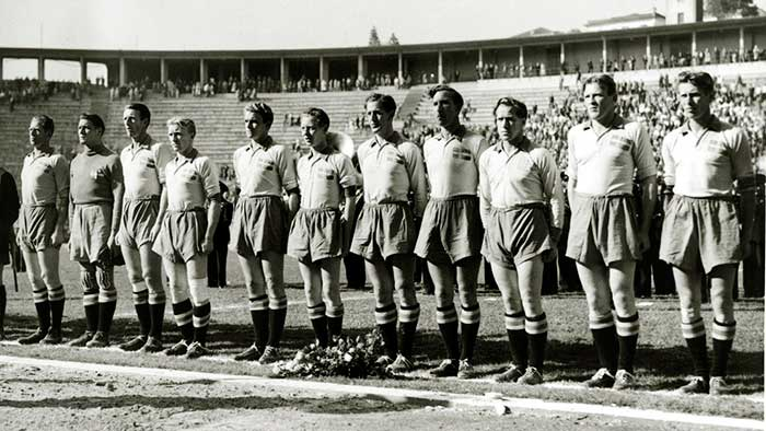 13.07.1950. Уругвай – Швеция 3:2. The Sweden team line-up before a match against Uruguay