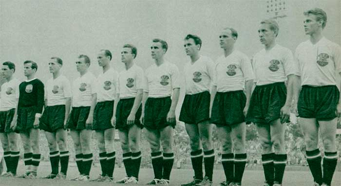 16.06.1954. Австрия - Шотландия 1:0. Austria national team (left to right): E.Ocwirk, K.Schmied, R.Dienst, E.Happel, R.Körner, L.Barschandt, K.Koller, E.Probst, A.Körner, W.Schleger, G.Hanappi