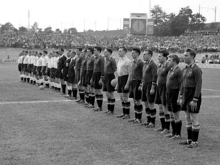 17.06.1954 Бельгия - Англия 4:4. Two teams and referees
