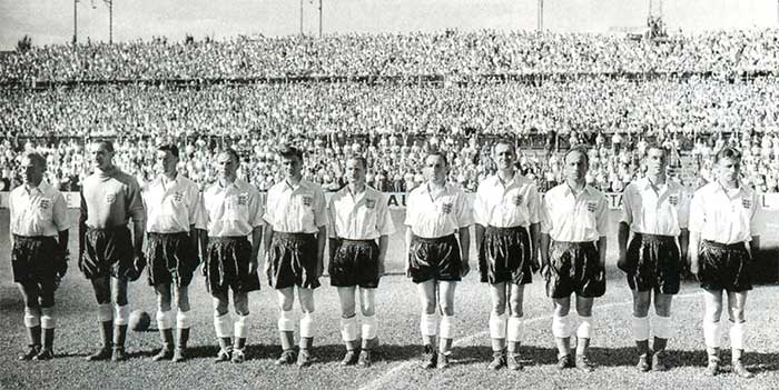 17.06.1954 England - Belgium 4:4. England team line up (left to right): Billy Wright, Gil Merrick, Ron Staniforth, Jimmy Dickinson, Sid Owen, Stanley Matthews, Ivor Broadis, Tommy Taylor, Tom Finney, Nat Lofthouse, Roger Byrne