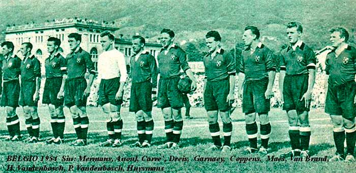 20.06.1954 Бельгия - Италия 1:4. Belgium national team (left to right): Jef Mermans, Pol Anoul, Louis Carré, Marcel Dries, Pol Gernaey, Hippolyte Van den Bosch, Vic Mees, Fons Van Brandt, Rik Coppens, Pieter Van Den Bosch, Constant Huysmans