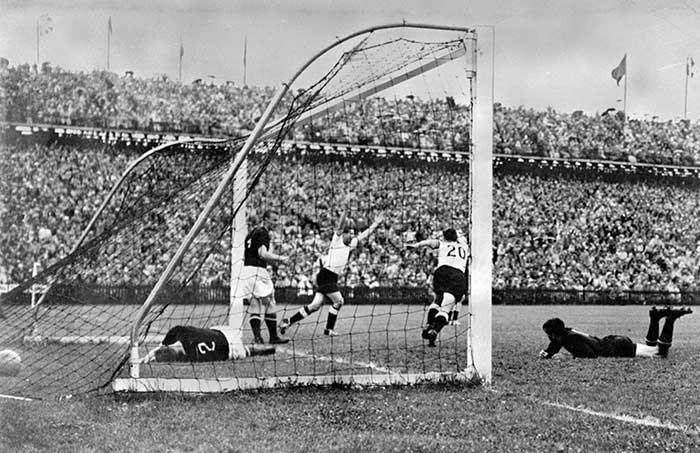 04.07.1954 West Germany - Hungary 3:2. Helmut Rahn 18 min 2:2