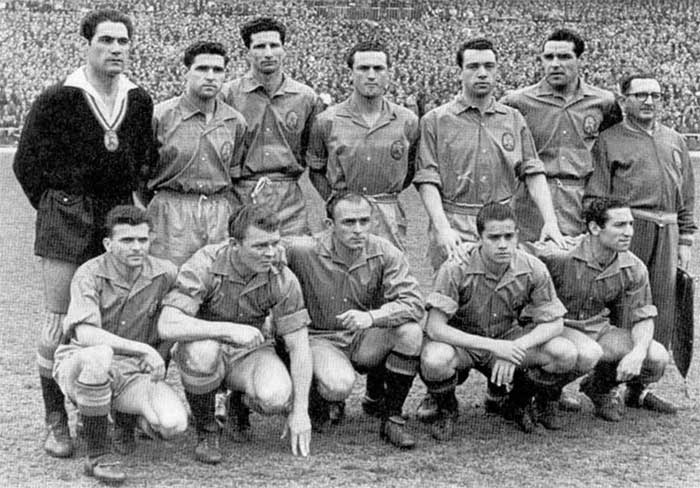 10.03.1957 Испания - Швейцария. Spain national team. Back row: Ramallets, Orue, Herrera, Canito, Maguregui, Garay, A.Conde. Front row: Miguel, Ladislav Kubala, Di Stefano, Luis Suarez, Gento