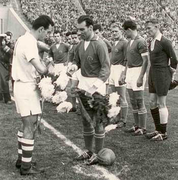 27.10.1957 ГДР - Чехословакия. Captains Ladislav Novák and Herbert Schoen