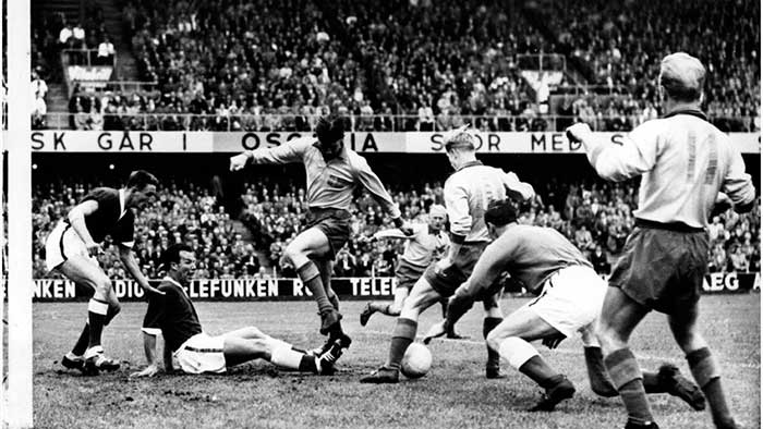 15.06.1958 Швеция - Уэльс 0:0. Sweden lay siege to the Wales goal