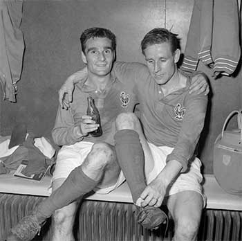 19.06.1958 Франция - Сев. Ирландия. Raymond Kopa and  Roger Piantoni after a 4:0 win over Northern Ireland in World Cup 1958