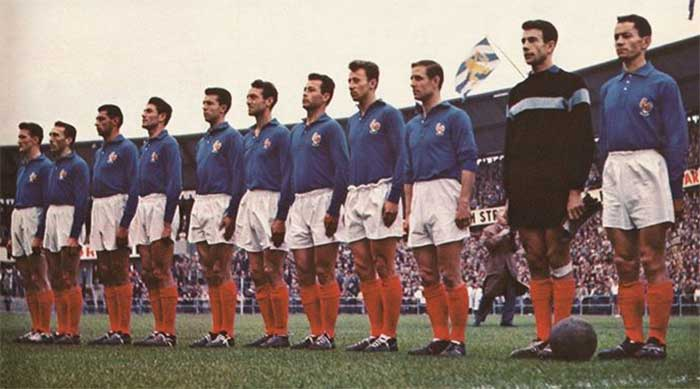 28.06.1958 Франция - ФРГ 6:3. France team: Raymond Kaelbel, André Lerond, Maurice Lafont, Jean-Jacques Marcel, Yvon Douis, Jean Vincent, Just Fontaine, Maryan Wisnieski, Raymond Kopa, Claude Abbes, Armand Penverne