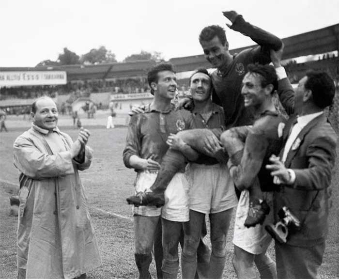 28.06.1958 Франция - ФРГ 6:3. France team: Yvon Douis, Andre Lerond, Just Fontaine, Jean Vincent