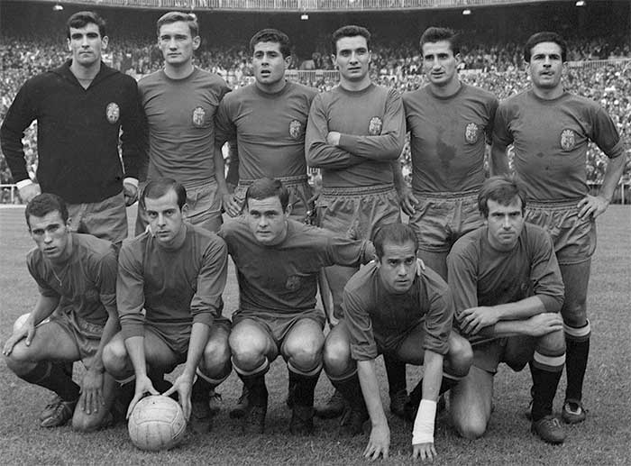 21.06.1964 Spain - Soviet Union 2:1. Players of the national Spanish team: Iribar, Zoco, Olivella, Fuste, Calleja, Rivilla. Standing: Amancio, Pereda, Marcelino, Luis Suarez, Lapetra
