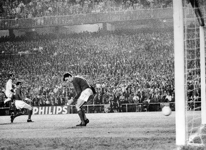 15.05.1968 Real Madrid - Manchester United 3:3. 41 min. Alex Stepney concedes to Francisco Gento. 2:0