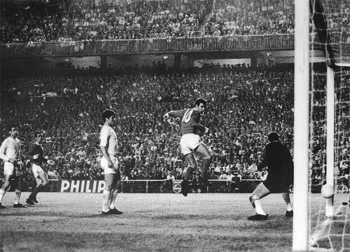 15.05.1968 Real Madrid - Manchester United 3:3. 73 min. David Sadler scored Uniteds second. 3:2