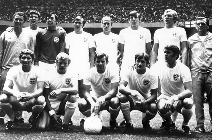 07.06.1970 Brazil - England 1:0. England national team. Front row: A.Ball, F.Lee, A.Mullery, T.Wright, G.Hurst. Back row: H.Shepherdson (coach), B.Labone, G.Banks, T.Cooper, B.Charlton, M.Peters, B.Moore (c), L.Cocker (trainer)