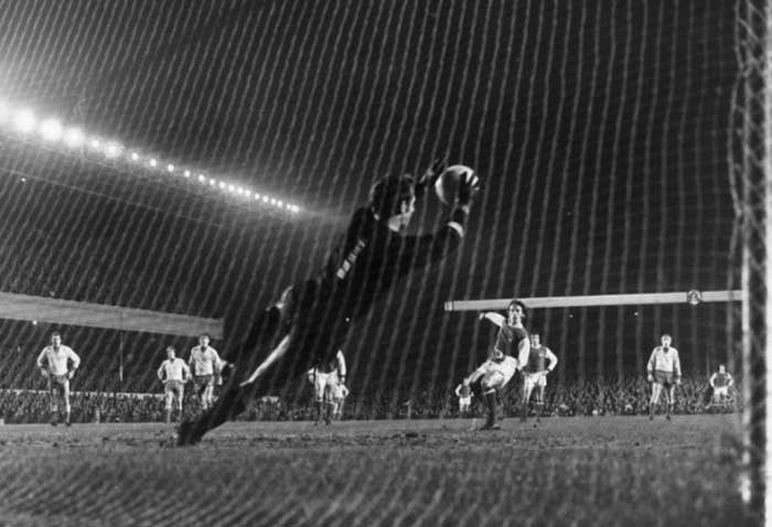 03.12.1970 Arsenal - Beveren 4:0. Beveren goalkeeper Lukas Poklepovic saves a penalty from Arsenals Peter Storey during an Inter-Cities Fairs Cup third round clash at Highbury