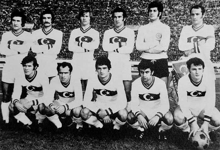 05.12.1971 Turkey - Poland 1:0. Turkey team: Ender Konca, Vedat Okyar, Zekeriya Alp, Metin Kurt, Yasin Ozdenak, Muzaffer Sipahi; Ekrem Gunalp, Ayfer Elmastasoglu, Ozer Yurteri, Mehmet Oguz, Cemil Turan