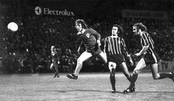 03.10.1973 Atvidabergs FF - Bayern Munich 3:1. Conny Torstensson fires the first of his two goals against German titlist Bayern Munich during the first round, second leg European Cup match at the little Kopparvallen stadium