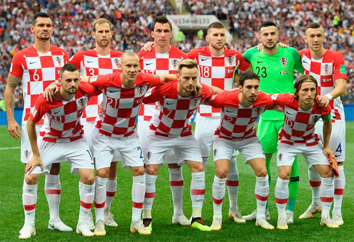 15.07.2018 France - Croatia 4:2. Croatia players pose for a team photo prior to the 2018 FIFA World Cup Final: Ivan Rakitic, Luka Modric, Ante Rebic, Marcelo Brozovic, Dejan Lovren, Mario Mandzukic, Ivan Perisic, Danijel Subasic, Domagoj Vida, Ivan Strinic, Sime Vrsaljko
