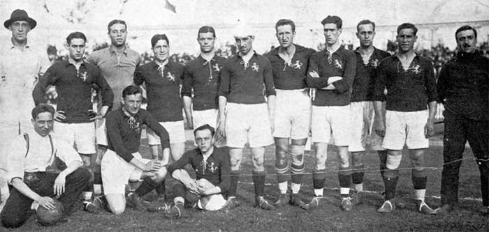 Spanish national team which played against Belgium at the 1920 Summer Olympics. Line up: Jose Maria Belauste (did not play), Domingo Gomez-Acedo, Ricardo Zamora, Juan Artola, Patricio Arabolaza, Pichichi, Mariano Arrate, Ramon Eguiazabal, Joaquin Vazquez, Agustin Sancho, Paco Bru (coach), Manuel Lemmel (assistant coach), Pedro Vallana and Francisco Pagaza